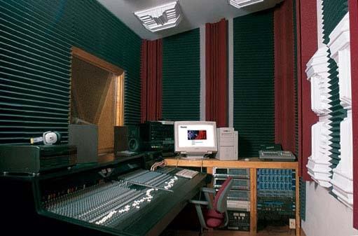 Auralex 4″ Studiofoam Wedge-22 Purple