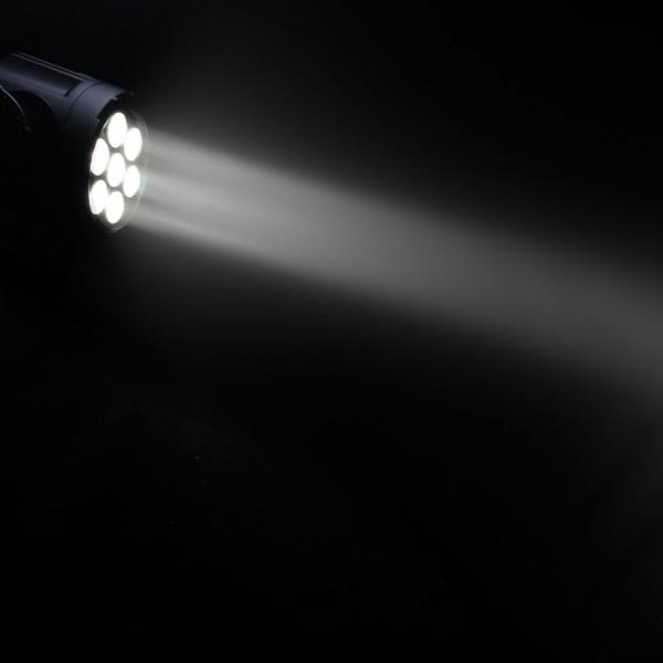Proiector LED PAR de tip spot Cameo Flat Pro 7 Spot