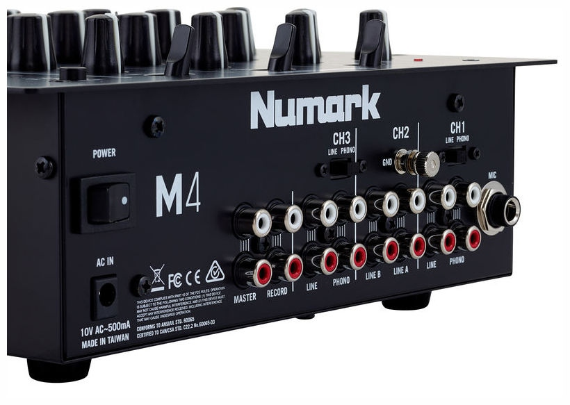 Mixer de DJ cu 3 canale  Numark M4 Black