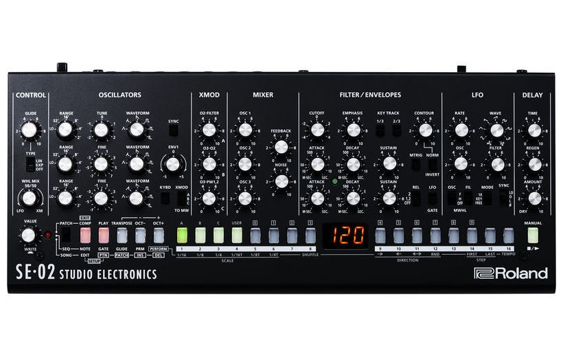 Sintetizator analogic monofonic Roland SE-02