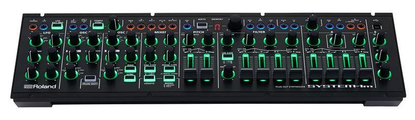 Sintetizator semi-modular de tip plug-out  Roland System-1m