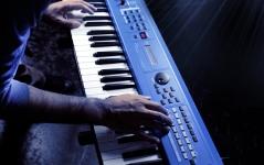 Yamaha MX61 mkII Blue